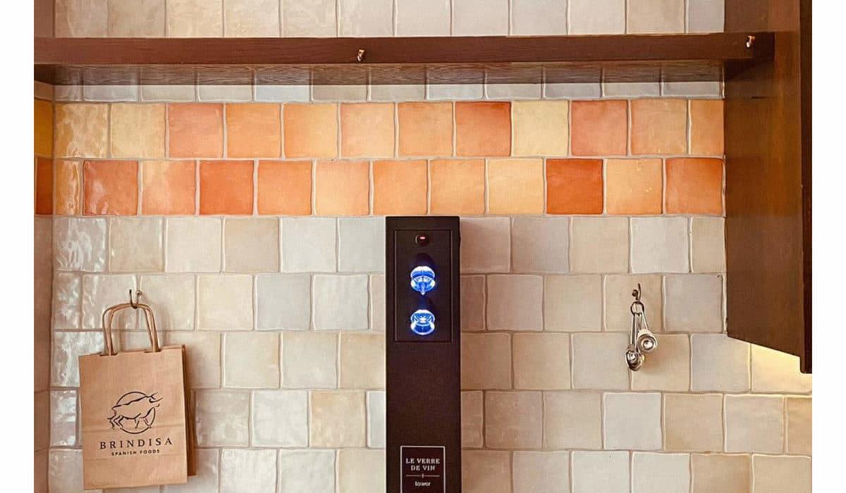 Brindesa Kensington le verre de vin tower install