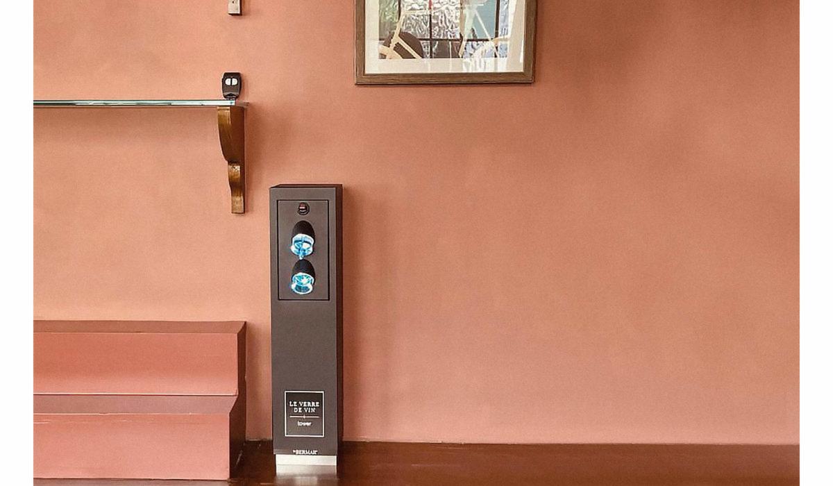The Surpise - Le verre de vin tower install